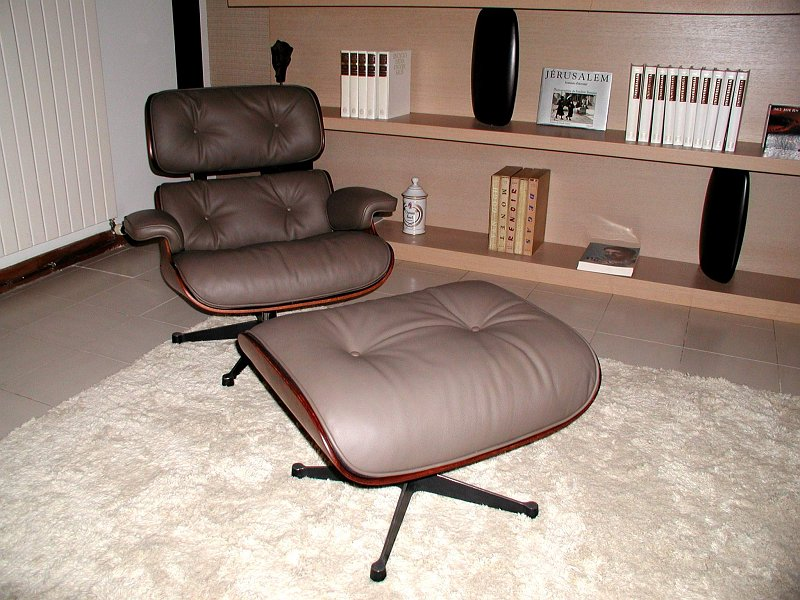 coulon et fils restaurations contemporaines 059 lounge chair ray et charles eames 1. Black Bedroom Furniture Sets. Home Design Ideas